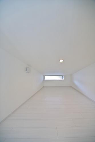 小屋裏部屋 天井の低い部屋